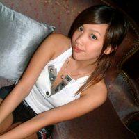Rencontre une jeune asiatique sexy et mignonne de Bordeaux